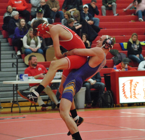 Tigers stay undefeated in FAC wrestling standings; defeat Hillsboro