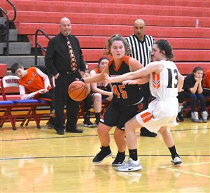 Whiteoak Lady 'Cats end season against Eastern in sectionals