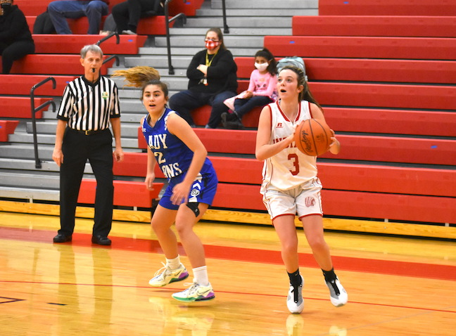 Hillsboro's Gracie Dean finished with a game-high 21 points in the Lady Indians' win over Washington, Wednesday at HHS. (HCP Photos/Stephen Forsha)